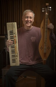 Bruce Hornsby has his hands full. Photo (c) 2016 Keith Lanpher.
