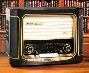 A Grundig Hi-Fi model 960 radio. Photo courtesy of Tim Henney.
