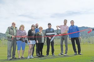 From left to right: Clem Hackworthy, Vicky Jacobson, Head Pro Randi Fischer, Steve Sanchez, Kate McAlister, Bob Witte, Sandpoint Mayor Shelby Rognstad and Idaho Club co-owner Bill Haberman. Photo by Ben Olson.